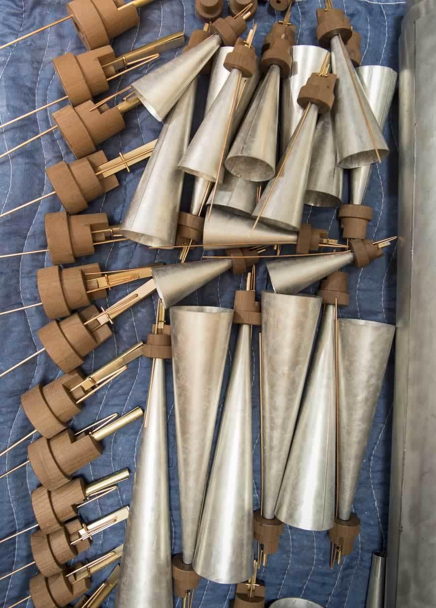 These trumpet pipes, named for the trumpet-like quality of their sound, offer an example of reed pipes, which function more like a clarinet, oboe or saxophone than the whistle-like flue pipes.