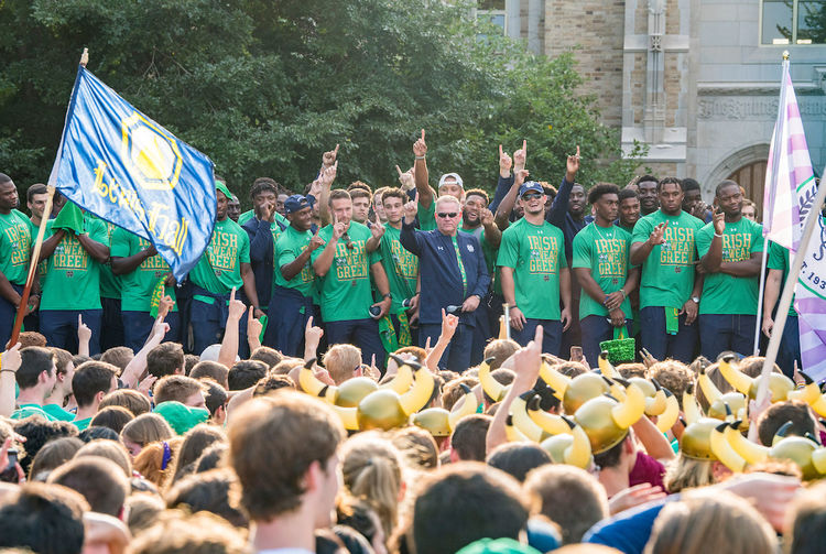 2b153dcb048 Brian Kelly and members of the football team kicked off the 2018 ND-Michigan  weekend with a pep rally on Friday, August 31.